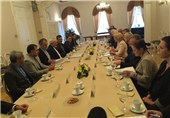 Iran's FM Discusses Closer Tehran-Riga Ties with Latvian Officials