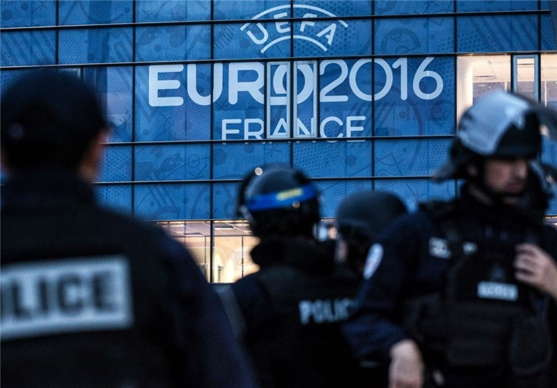 40 People Detained in Paris Riots after Euro 2016 Final