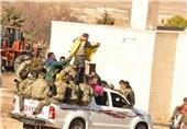 """""""سوریا الدیمقراطیة"""" سمحت بخروج 200 سیارة لـ""""داعش"""" من منبج على متنها رهائن"""