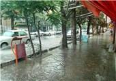 بارش باران و آبگرفتگی معابر در تبریز