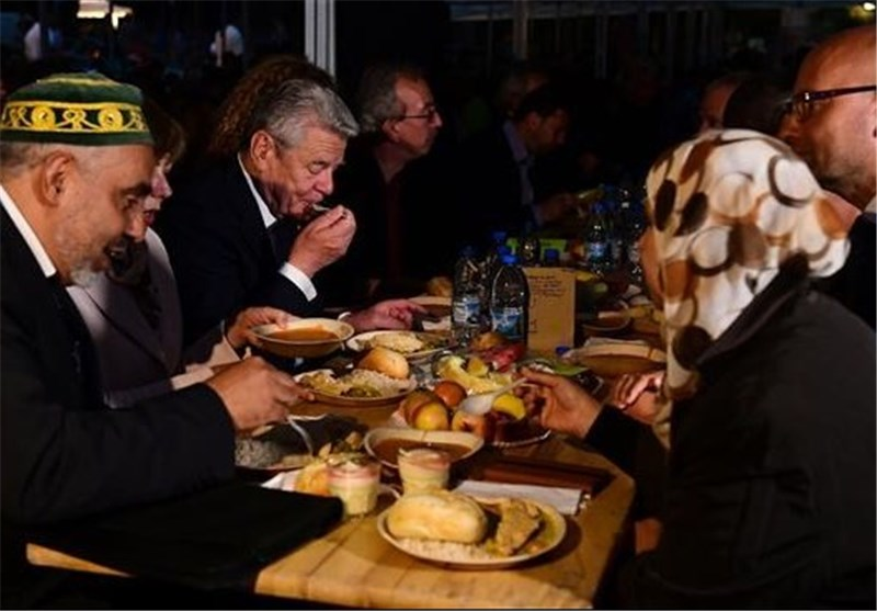 German President Joins Iftar Dinner in Berlin