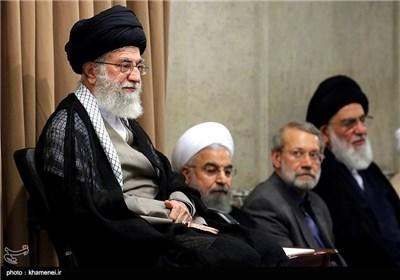 امام خامنهای: به شرط اداء وظیفه مسئولان، شکست آمریکا قطعی است