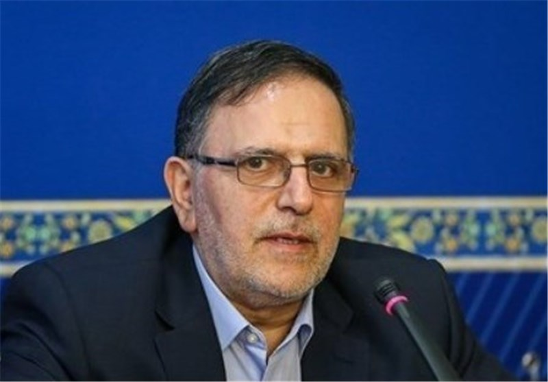 Central Bank Chief Hails Economic Growth in Iran