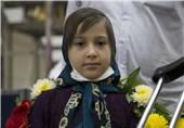 تشکیل زنجیره انسانی محبت در کل ایران/آرزوی زائران کوچک در کربلا و نجف برآورده شد