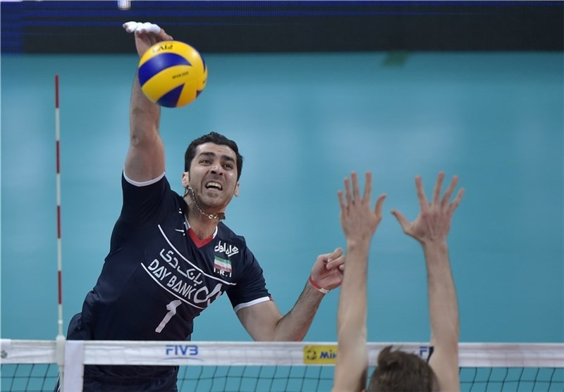Mahmoudi Out of Iran National Volleyball Team for One Year