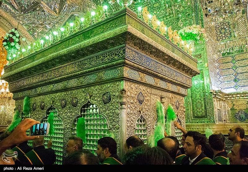 تعویض پرچم حرم شاهچراغ - شیراز