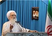 خطیب جمعة طهران: أمریکا لن تحقق مآربها من الحظر
