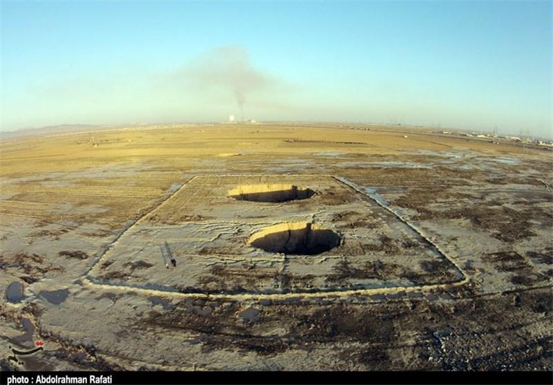 برداشت بیرویه منابع آبی منجر به ظهور فروچاله در دشتهای یزد شده است