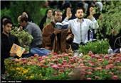 احیای شب نوزدهم رمضان در گلزار شهدای اصفهان