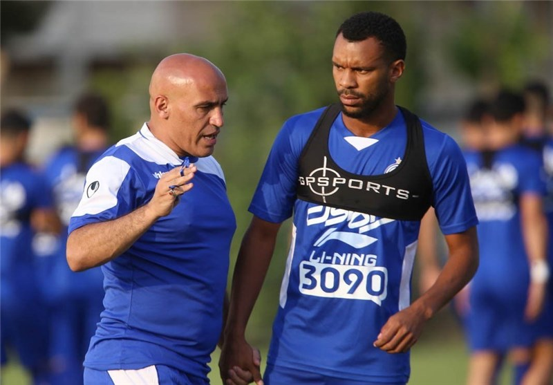 Iran's Esteghlal Signs Brazilian Defender Robson