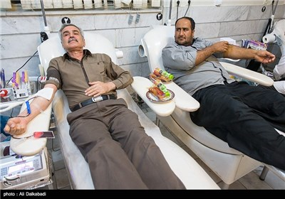 التبرع بالدم في لیلة الحادی والعشرین من رمضان - سبزوار