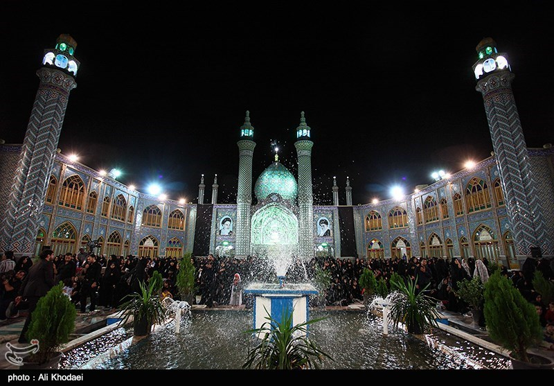 The Shrine of Hilal Ibn Ali: A Mausoleum in Central Iran