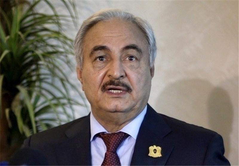 حفتر: میتوانم جنگ را به الجزایر منتقل کنم