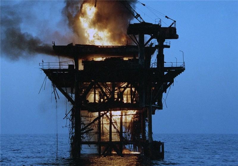 سکوی نفتی منهدم شده توسط آمریکا