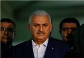 بی علی ییلدیریم نخست وزیر ترکیه در فرودگاه