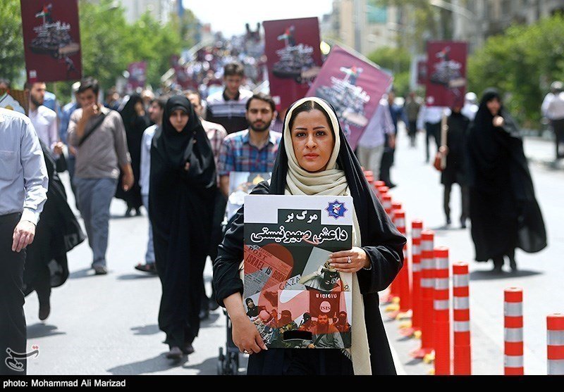 People of Iranian Capital Attend Quds Day Rallies