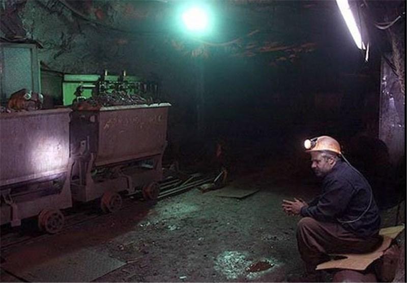 فریاد بیصدای کارگران بزرگترین معدن منگنز خاورمیانه در قم/حقوق نجومی نخواستیم دستمزد خودمان را بدهید