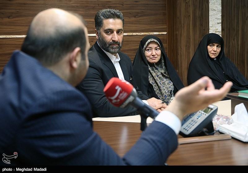 نشست تسنیم با خانواده دیپلماتهای ربوده شده