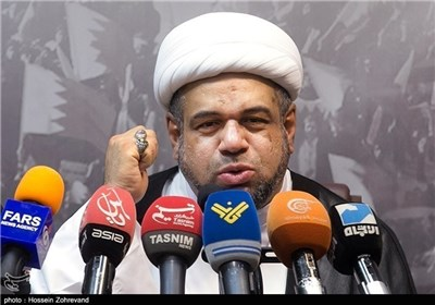 الشیخ قاسم هو الذی یعطی آل خلیفة الجنسیة