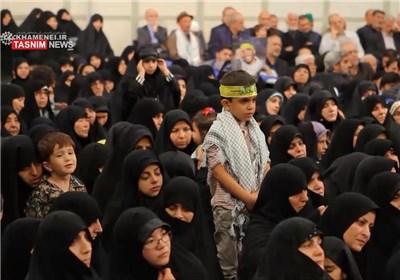 الإمام الخامنئی یلتقی أبناء شهداء المدافعین عن حرم أهل البیت (ع)