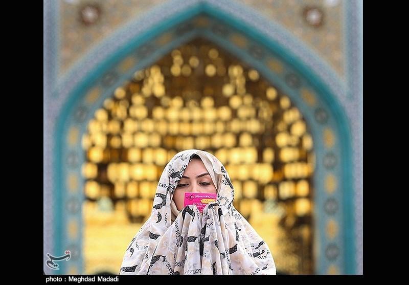 اقامه نماز عید فطر - امامزاده پنج تن لویزان