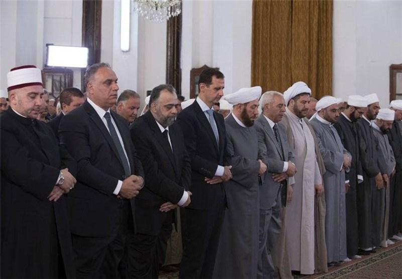 الرئیس الأسد یؤدی صلاة عید الفطر المبارک بحمص+صور