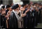 اقامة صلاة عید الفطر السعید فی طهران بإمامة قائد الثورة الاسلامیة+صور