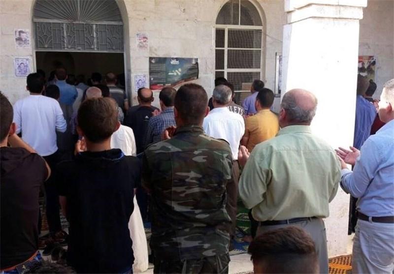 أهالی نبل والزهراء بریف حلب یقیمون صلاة عید الفطر+صور