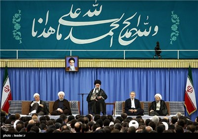 Leader Meets Envoys of Muslim Countries, Iranian Officials