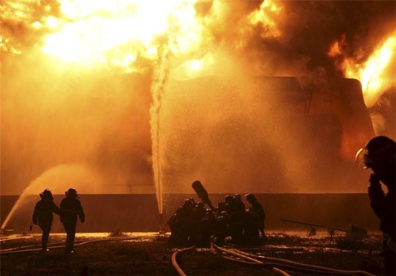 یک دکل نفتی در جنوب کشور آتش گرفت