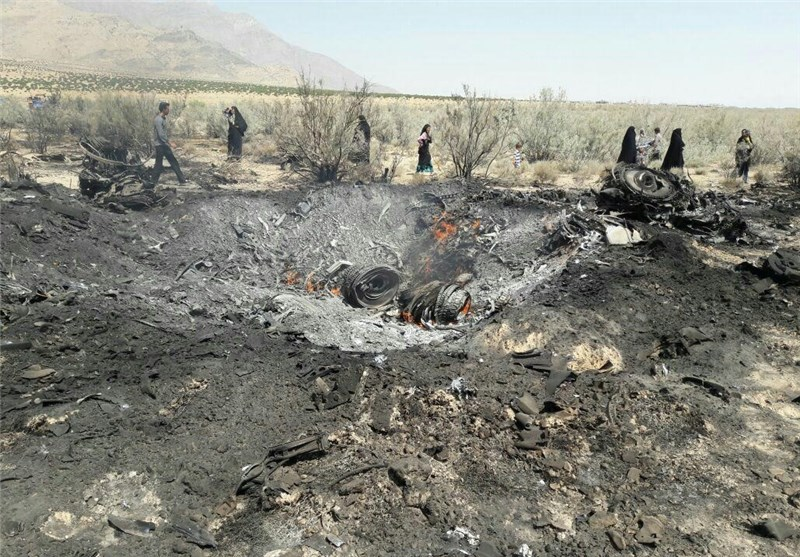 Iran's Fighter Jet Crashes, Pilots Survive