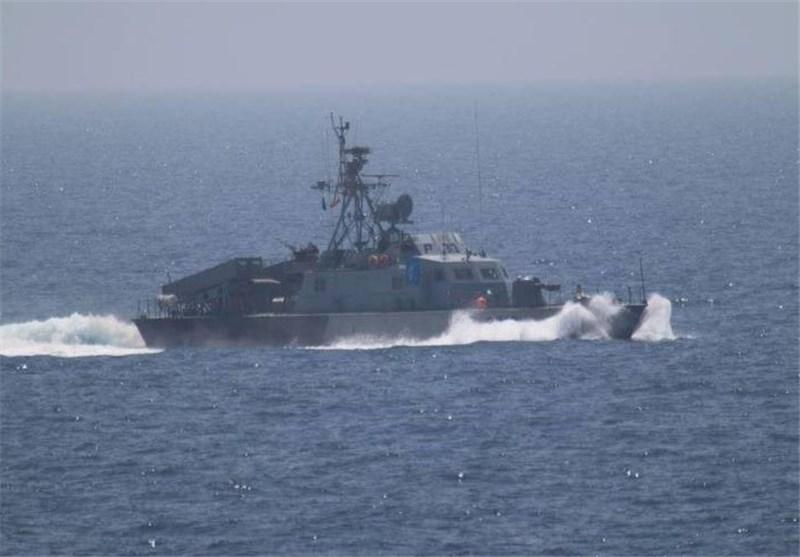 ادعای نیروی دریایی آمریکا: به قایق ماهیگیری ایران کمک کردیم