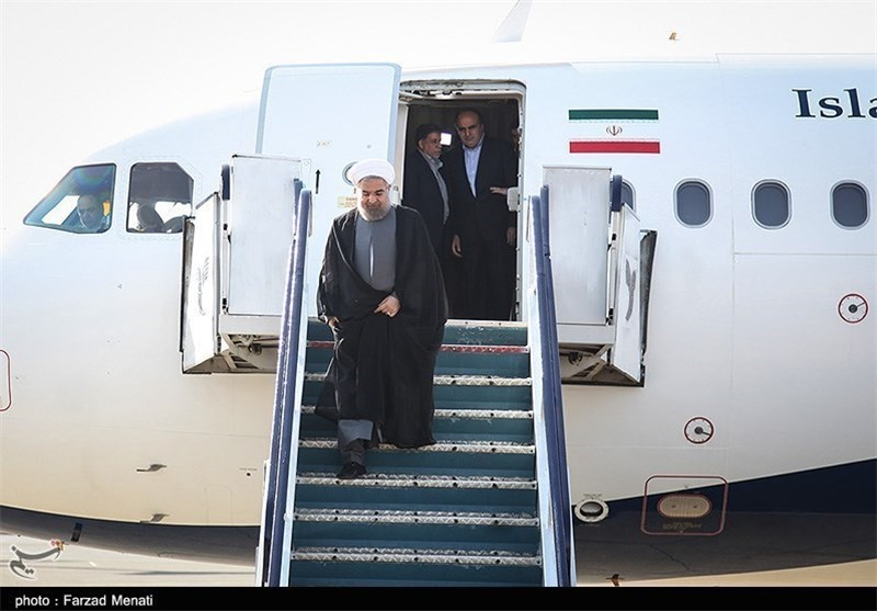 حسن روحانی مسافرت پله های هواپیما