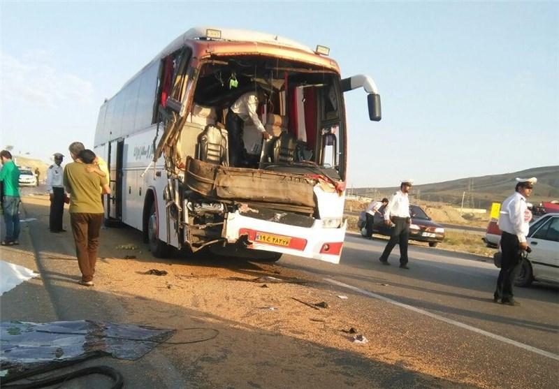 تصادف اتوبوس زائران اصفهانی اربعین در لرستان؛ 21 نفر مصدوم شدند+اسامی مصدومان