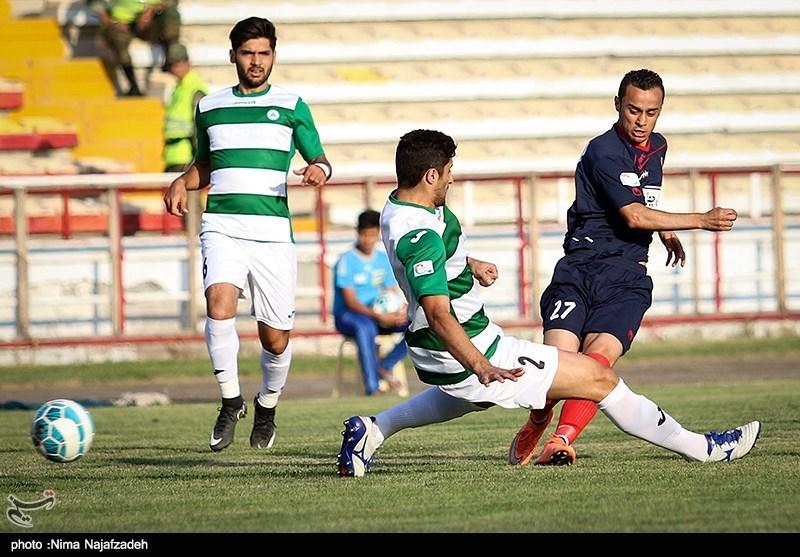دیدار تیم های فوتبال سیاه جامگان و ذوب آهن - مشهد