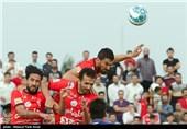دیدار تیم های فوتبال تراکتورسازی تبریز و استقلال خوزستان
