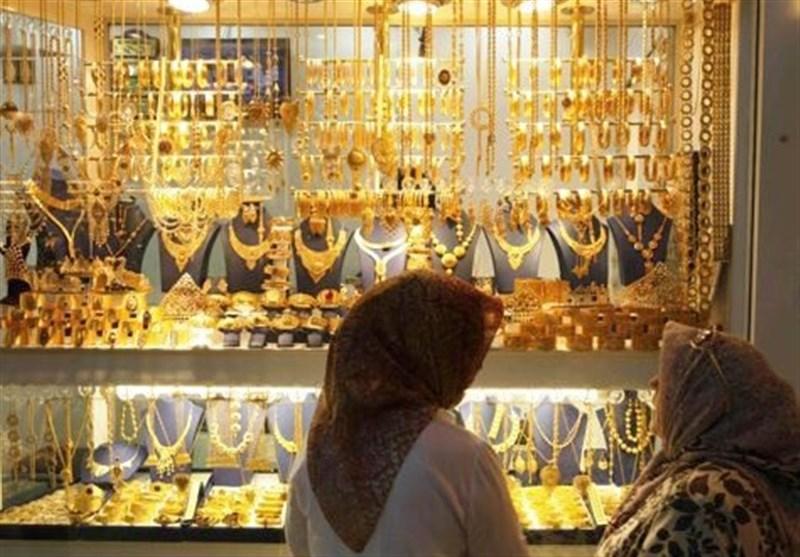 """""""مالیات بر ارزش افزوده"""" تیغ دولبه صنعت طلا؛ رکود فروش طلا در مشهد"""