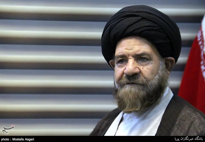 """آیتالله بطحایی: دولت نباید در ایام اربعین """"کاسبکارانه"""" عمل کند"""