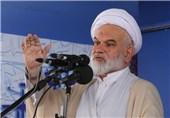 خطیب جمعه سمنان: حرکت نماینده سمنان در یادواره شهید حججی نسنجیده و ناپسند بود