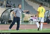 دیدار تیم های فوتبال استقلال و نفت آبادان