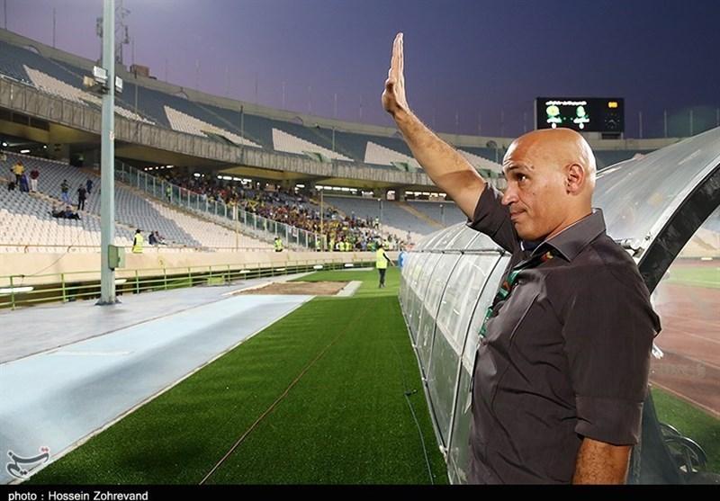 منصوریان: از هواداران میخواهم جو منفی در تیم ایجاد نکنند/ برای دربی کاملاً آمادهایم