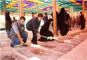 خبرنگاران و عکاسان شیراز قبور مطهر شهدا را گلباران کردند