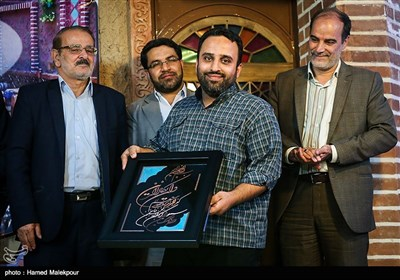 تقدیر از سیدمحمود حسینی عکاس خبرگزاری تسنیم در مراسم افتتاح اولین پاتوق خبر