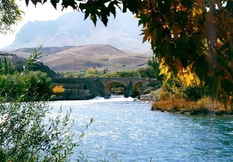 """مدینة «شهرکُرد» من جبل """"اوزون تشای"""" الى نهر """"زاینده رود"""""""