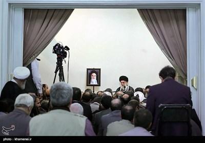 سخنرانی مقام معظم رهبری در دیدار با وزیر، معاونان و مدیران وزارت اطلاعات