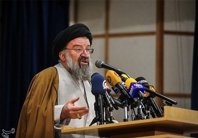 همدان|احمد خاتمی: دشمن با تمام توان به دنبال دو قطبی کردن جامعه است