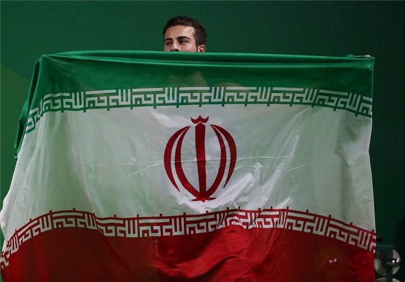 İran'ın Olimpiyatlardaki Altın Adamı Madalyasını Suriye'de Şehit Olan Askerlere Hediye Etti