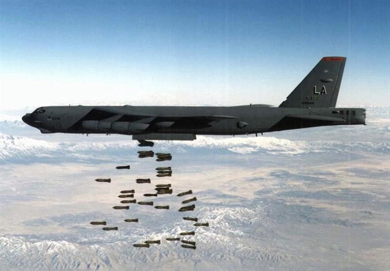 قاذفات روسیة تدمر مستودعات لـ داعش فی دیر الزور
