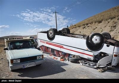 واژگونی اتوبوس در جاده اهر-انجرد