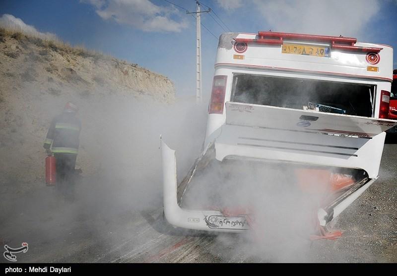 2 کشته و 11 مجروح در واژگونی اتوبوس مسافربری محور بیرجند - مشهد